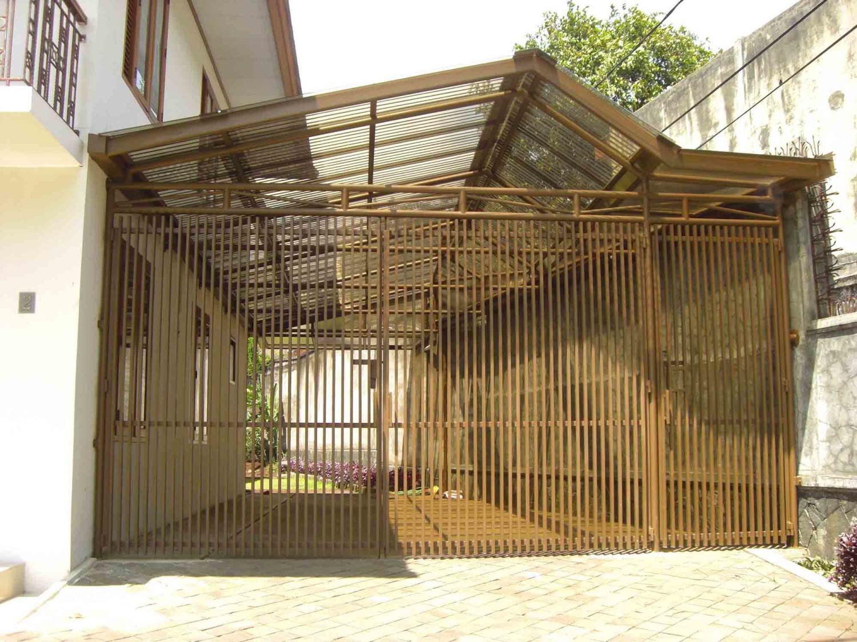 Project Atap Garasi Rumah Tinggal Karya Andiyanto Purwono S.T (Sumber: arsitag.com)