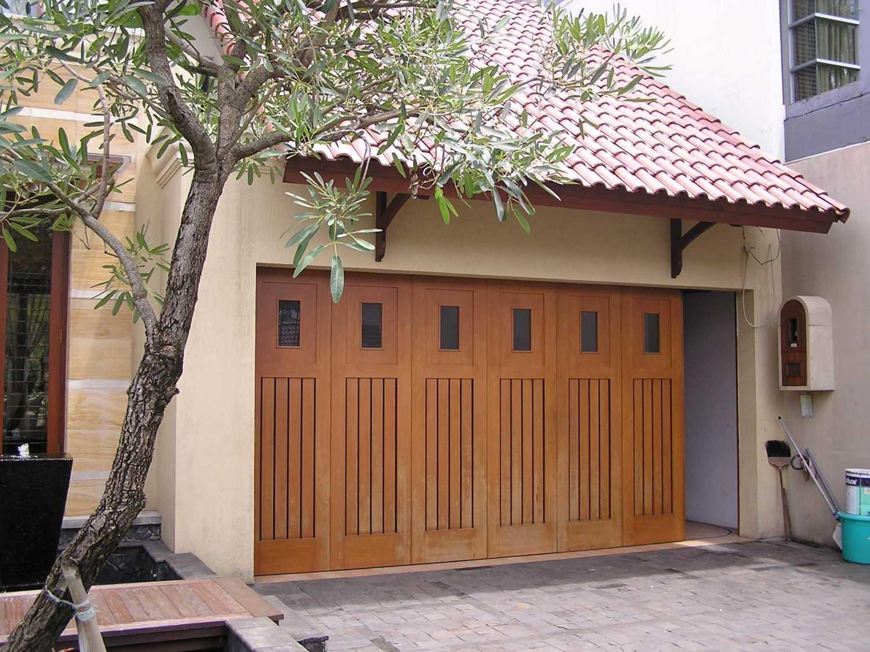 Permata Hijau Residence Karya PT Garisprada (Sumber: arsitag.com)