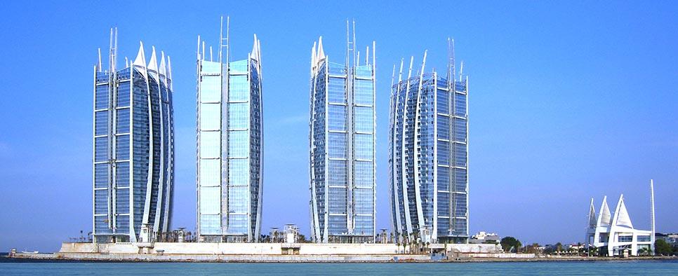 Regatta Towers di Pantai Mutiara, Jakarta Utara (Sumber:atkinsglobal.com)