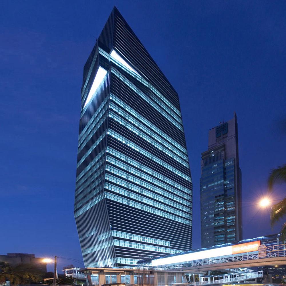 Menara Karya, bangunan unik 27 lantai setinggi 126 m (Sumber: arquitectonica.com)