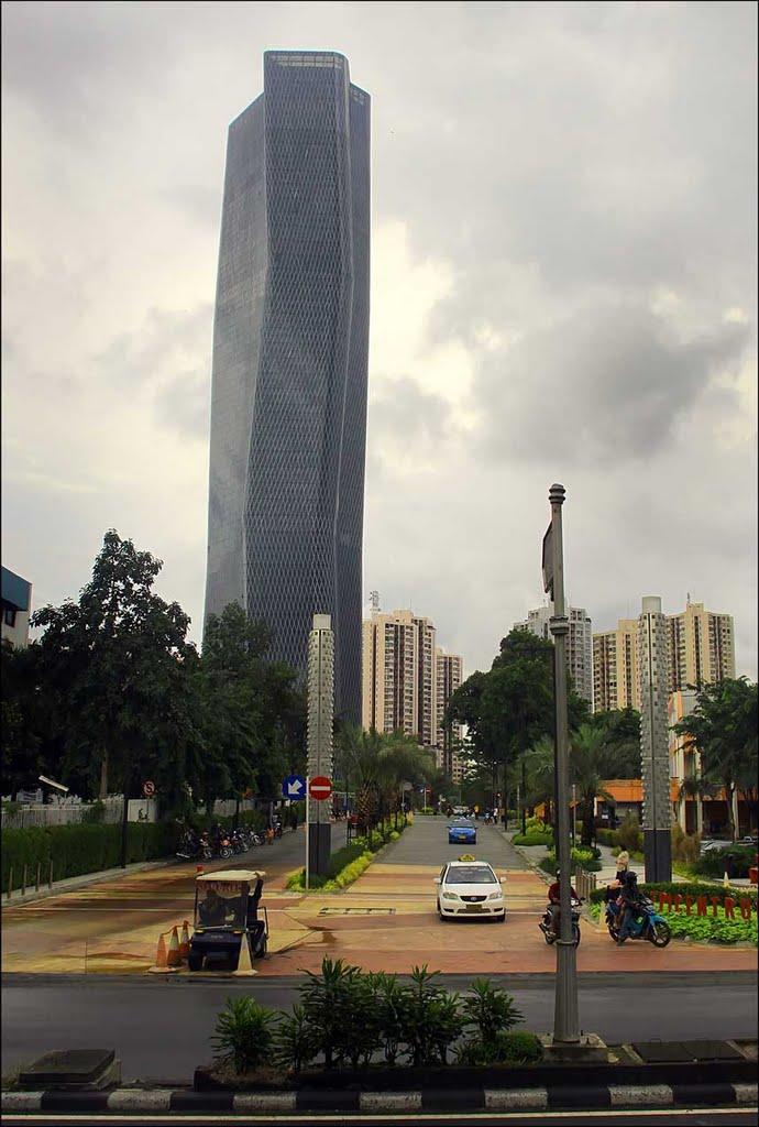 Bakrie Tower di Rasuna Epicentrum, Jakarta karya Ridwan Kamil (Sumber: panoramio.com)