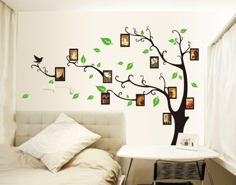 Foto sebagai buah pada pohon. Sticker pohon banyak dijual di mall atau toko online (Sumber: aliexpress.com)