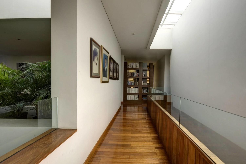 Pangkalan Jati House di Jakarta karya RAW Architecture tahun 2011 (Sumber: arsitag.com)