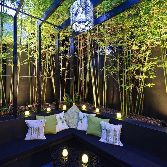 7. Bambu dalam ruang