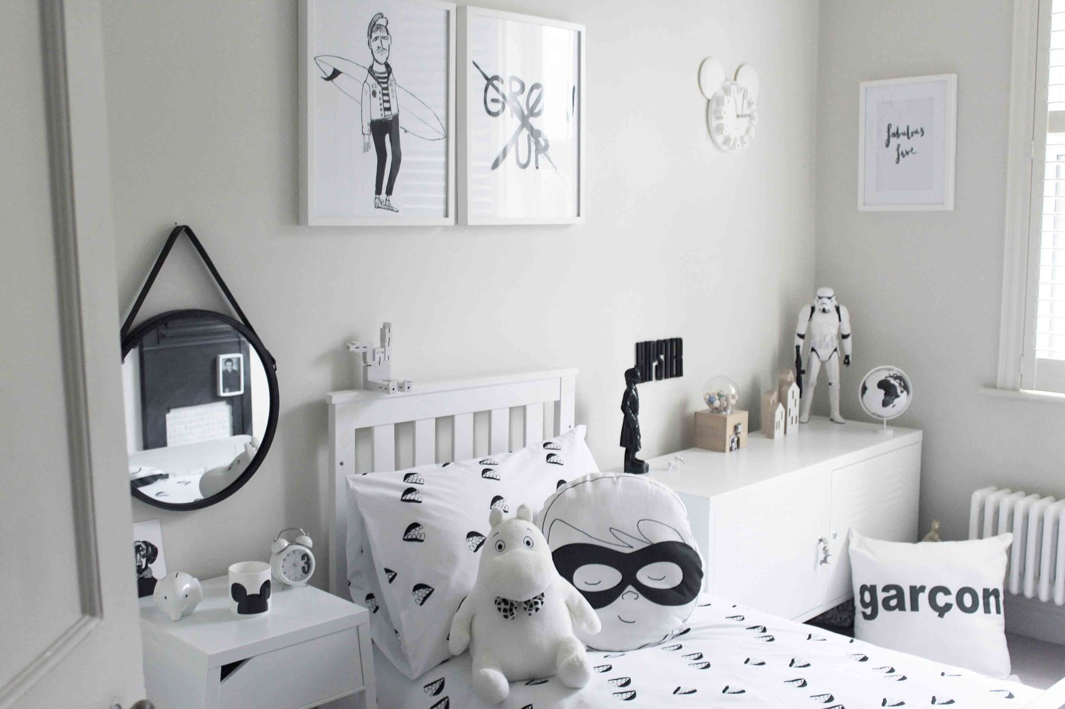 Small Monochrome Room