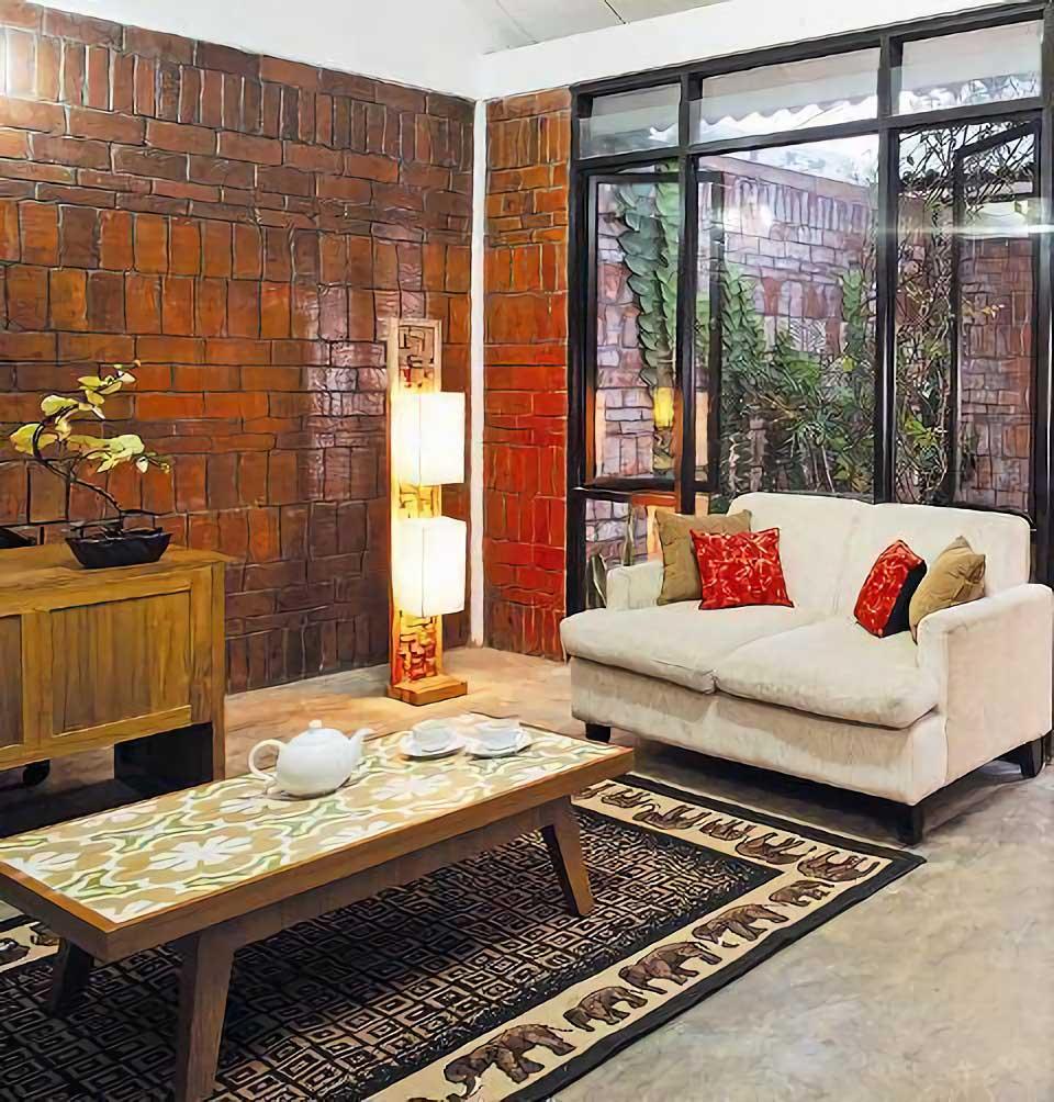 Ruang Keluarga di Taman Tengah House at Kranggan karya AKANOMA YU SING (Sumber: arsitag.com)