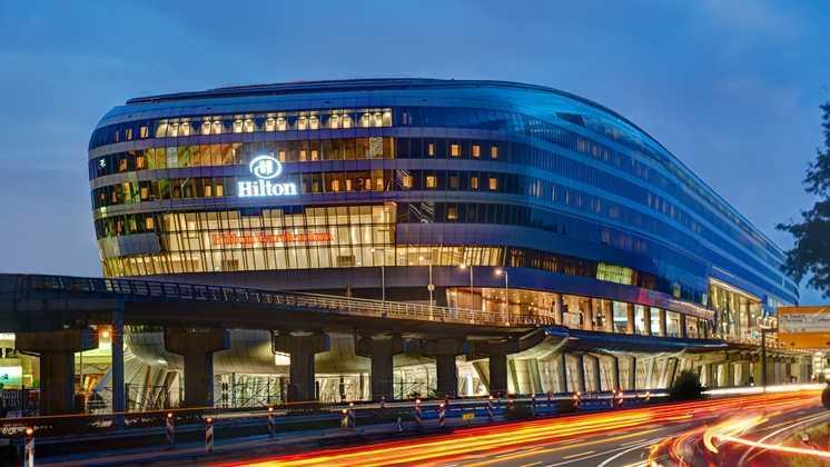 Hotel Hilton, Frankfurt Airport Hotel (Sumber: www3.hilton.com)