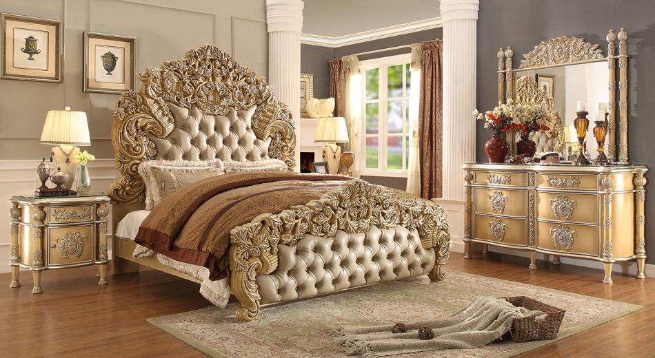 Kamar Tidur Klasik dengan Warna Emas