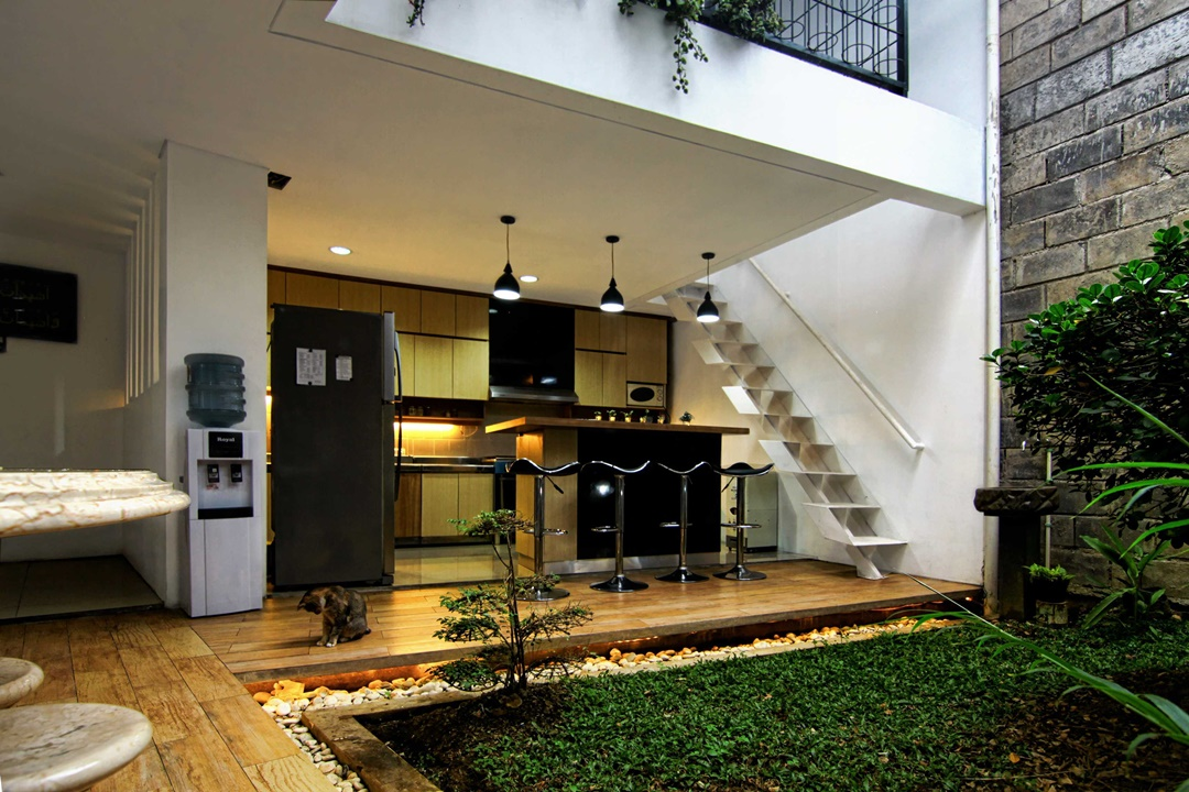 Dapur impian AL HOUSE di Cimahi karya Mineli Architects (Sumber: arsitag.com)